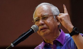 POLITICS-GE14: PEKAN – Najib says BN lost because of smear campaign against him