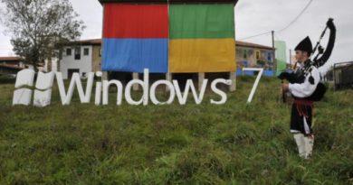 Technology:  Is Microsoft already killing off Windows 7?