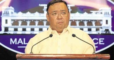 POLITICS: About-face: Roque admits Duterte's OFW kiss 'inappropriate'