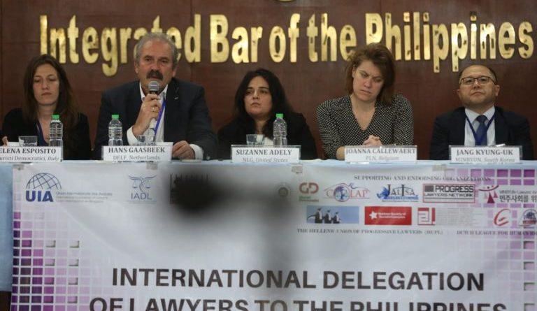 CRIME&PUNISHMENT-DU30'S EJK: MANILA- Int'l probers blast Duterte over attacks on PH lawyers