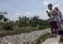 PHOTOGRAPHY:  Bekasi's 'River of Garbage'